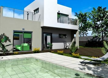 Thumbnail 3 bed villa for sale in Spain, Málaga, Estepona