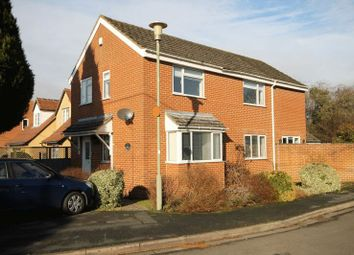 Thumbnail 4 bed detached house for sale in Meadow View, Kidlington