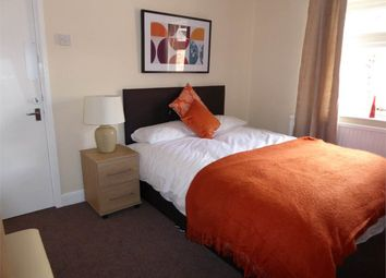Thumbnail Room to rent in Room 2, Dogsthorpe Road, City Centre, Peterborough