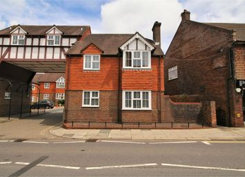 Thumbnail 1 bedroom maisonette for sale in Rue De Bayeux, Battle, East Sussex