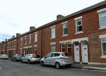 Thumbnail 3 bed flat to rent in Rosebery Avenue, North Shields