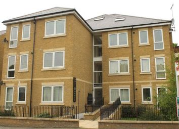 Thumbnail 1 bedroom flat to rent in Wrotham Road, Gravesend, Kent