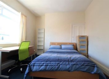 1 bed property to rent in Room 4, Hardy Street HU5