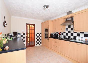 3 bed detached bungalow for sale in Woodview Close, West Kingsdown, Sevenoaks, Kent TN15