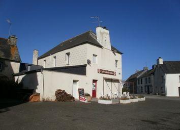 Thumbnail Pub/bar for sale in 22320 Saint-Mayeux, Côtes-D'armor, Brittany, France