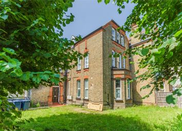 Cumberland Road, Acton, London W3. 1 bed flat