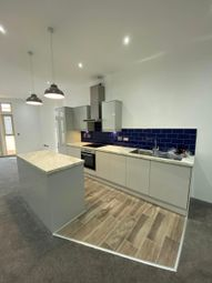3 bed flat to rent in Danum House, Doncaster DN1