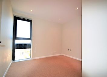 Thumbnail 2 bedroom flat for sale in 535 Whippendell Road, Watford, Hertfordshire