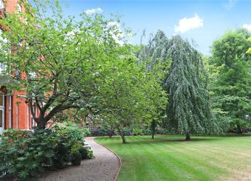 Thumbnail 2 bed flat for sale in Cadogan Gardens, Knightsbridge, London