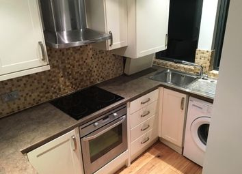 3 bed flat to rent in Aragon Court, Ealing Broadway, Ealing Broadway W13