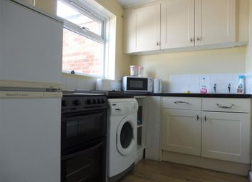 Thumbnail 2 bed flat to rent in High Road, Southampton