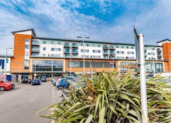 Thumbnail Flat to rent in Queensmead, Farnborough
