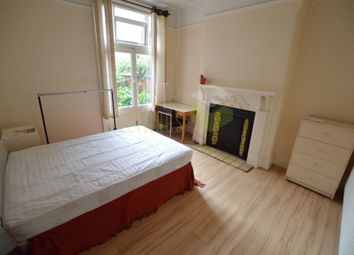 4 bed terraced house to rent in North Avenue, Leicester LE2