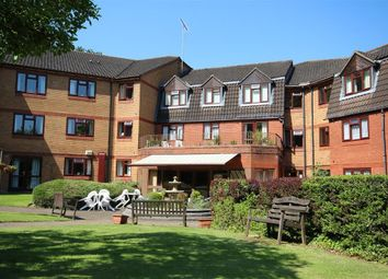 Thumbnail 2 bed property to rent in Crescent Dale, Shoppenhanger's Road, Maidenhead