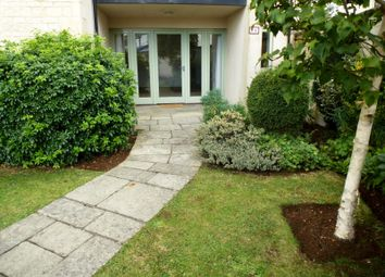 Thumbnail 2 bed flat to rent in London Road, Cirencester