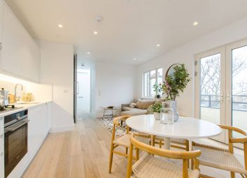 Thumbnail 2 bedroom flat for sale in Thurleigh Court, Clapham South
