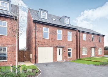 Thumbnail 5 bed detached house for sale in Mitre Close, Linton, Swadlincote