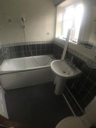 Thumbnail 1 bed flat to rent in Charton Cresent, Baking
