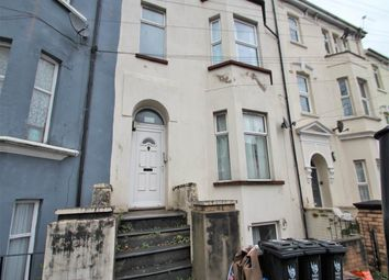 2 bed flat to rent in The Grove, Clytha Square, Newport NP20