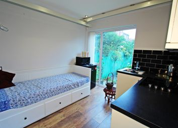 Thumbnail 1 bed barn conversion to rent in Malden Hill Gardens, New Malden