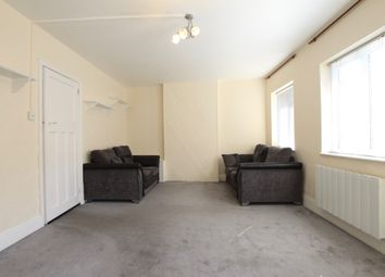 Thumbnail 2 bed flat to rent in Chase Side, London