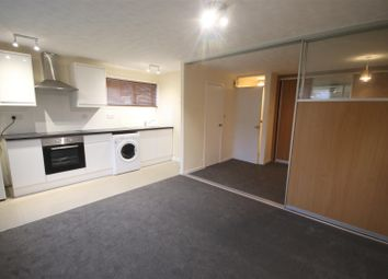 Thumbnail 1 bedroom flat to rent in Sutherland Close, Romsey