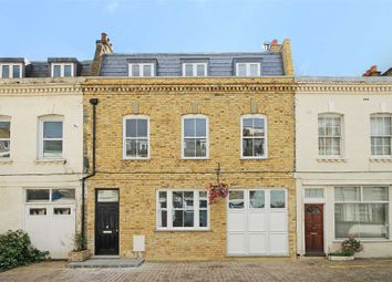 Thumbnail 5 bed property to rent in Spear Mews, London