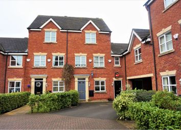 Thumbnail 3 bed town house to rent in Salisbury Close, Crewe
