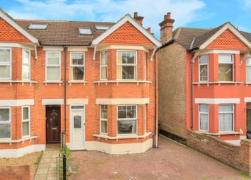 Thumbnail 5 bed property to rent in Blandford Road, St.Albans