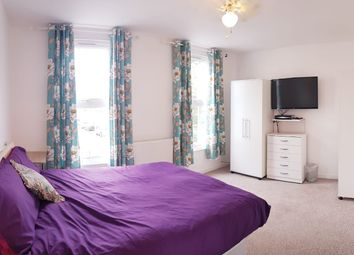Thumbnail Room to rent in White Horse Road, London