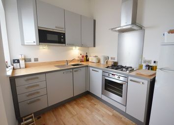 Thumbnail 1 bed flat to rent in Gordon Road, Peckham, London