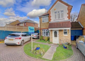 3 bed link-detached house for sale in St. Michaels Close, Aveley, South Ockendon RM15