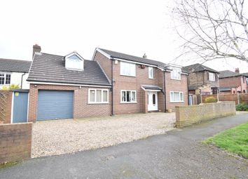 3 bed flat to rent in South Drive, Wakefield WF2