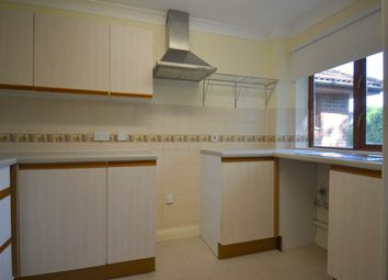 2 bed flat to rent in Bradley Moor Square, Thatcham, Berkshire RG18