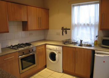 Thumbnail 2 bed flat to rent in Fairfax Avenue, Hull