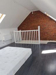 2 bed flat to rent in Longthornton Road, London SW16