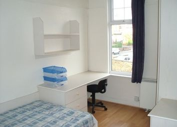 Thumbnail 1 bedroom flat to rent in Headingley Mount, Headingley, Leeds