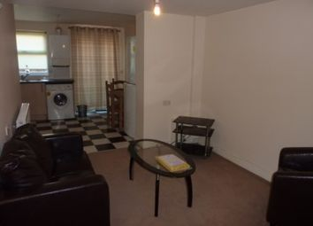Thumbnail 1 bed flat to rent in Charles Street, Reading
