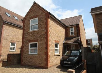 Thumbnail 2 bed detached house to rent in Dowling Court, Hemel Hempstead