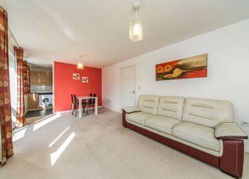 2 bed flat to rent in Meadow Way, Caversham, Reading RG4