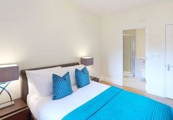 Thumbnail 2 bed flat to rent in Ravenscourt Park, Hammersmith, London