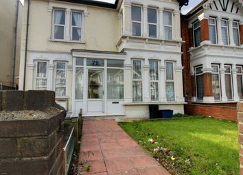 3 bed maisonette to rent in The Drive, Cranbrook, Ilford IG1
