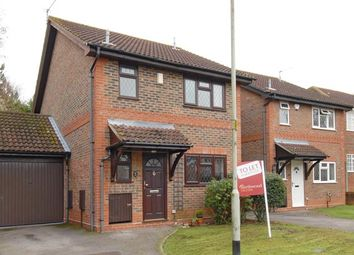 Thumbnail 3 bedroom detached house to rent in Dodsells Well, Finchampstead, Berkshire