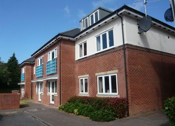 Thumbnail 2 bedroom flat to rent in Marshland Square, Emmer Green, Reading