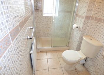 Thumbnail 1 bed flat to rent in Langley Road, Langley, Berkshire