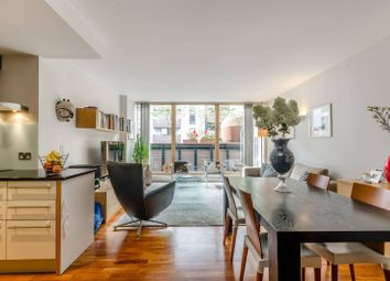 Thumbnail 2 bedroom flat for sale in Gainsborough Studios, Islington