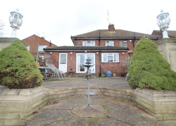 Thumbnail 3 bed detached house to rent in Englands Lane, Loughton