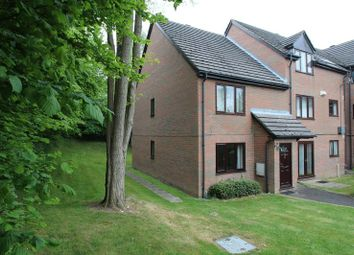 Thumbnail 1 bed flat to rent in Windrush Drive, High Wycombe