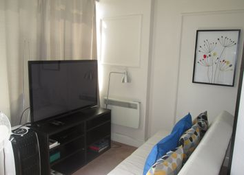 Thumbnail Studio to rent in Hampstead / Belsize Park /, Central London