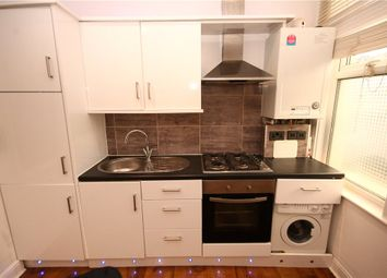 Thumbnail 1 bed flat to rent in Lincoln Road, London